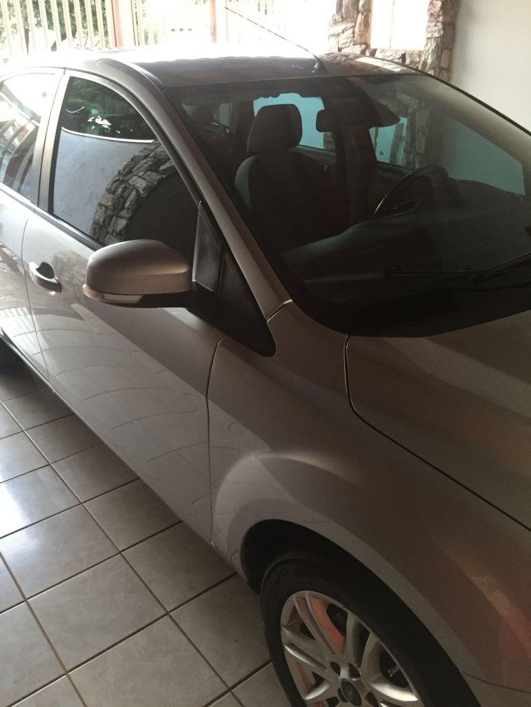 Ford Focus Sedan Ghia 2.0 16V (Flex) - Foto #1