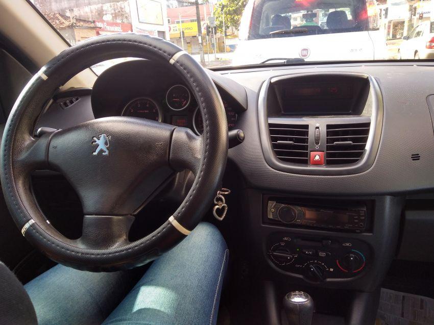 Peugeot 207 Hatch Active 1.4 (Flex) - Foto #4