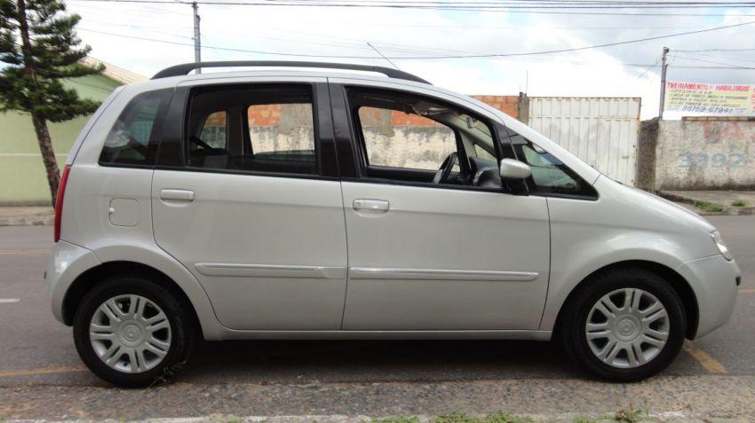 Fiat Idea HLX 1.8 (Flex) - Foto #10