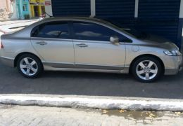 Honda Civic LXS 1.8 i-VTEC (Flex)