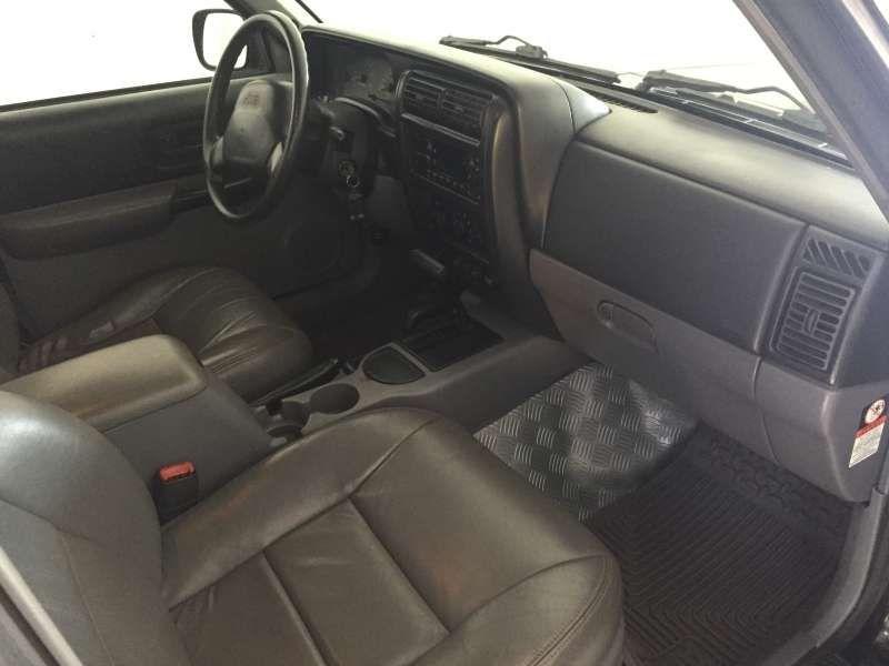 Jeep Cherokee Sport 3.7 V6 - Foto #10