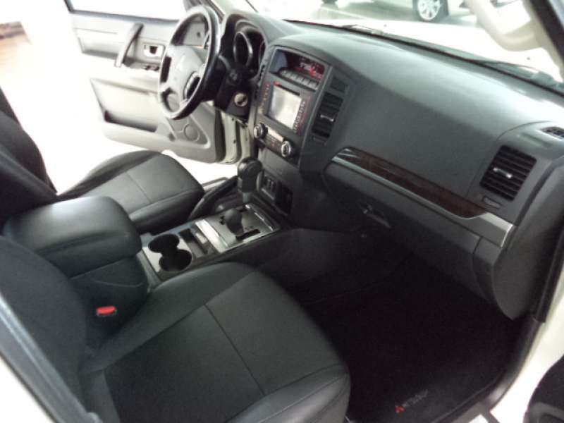 Mitsubishi Pajero Full 3.2 DI-D 3D HPE 4WD - Foto #9