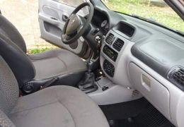 Renault Clio Sedan Authentique Hi-Power 1.0 16V