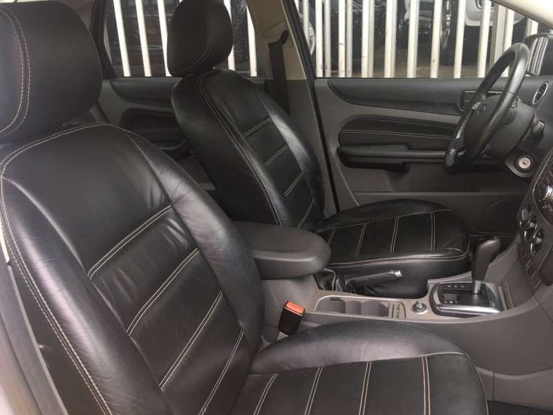 Ford Focus Sedan Ghia 2.0 16V (Aut) - Foto #4