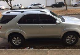 Toyota Hilux SW4 3.0 TDI 4x4 SRV 7L (Aut)