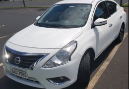 Nissan Versa 1.6 16V Unique (Flex)