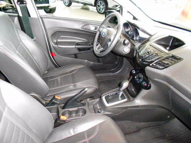 Ford Fiesta Titanium PowerShift 1.6 - Foto #4