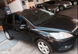Ford Focus Hatch Ghia 2.0 16V Duratec (Aut)