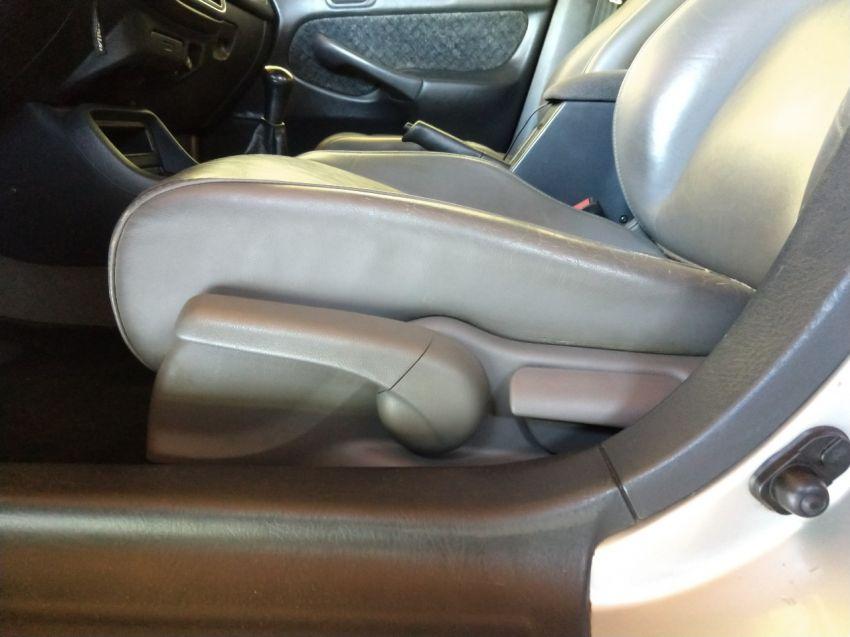 Honda Civic Sedan LX 1.6 16V - Foto #4