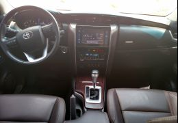 Toyota Hilux SW4 2.8 TDI SRX 7L 4wd