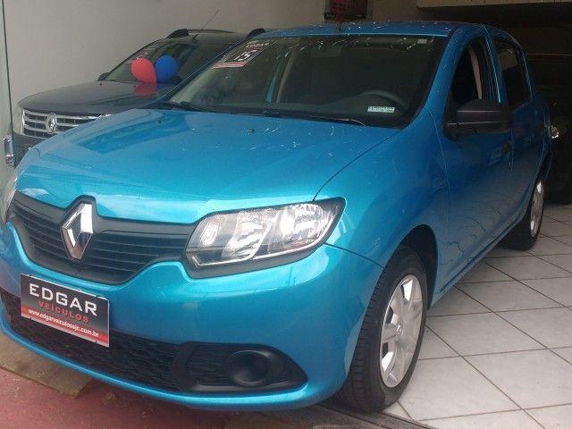 Renault Sandero Authentique 1.0 16V Hi-Flex - Foto #1