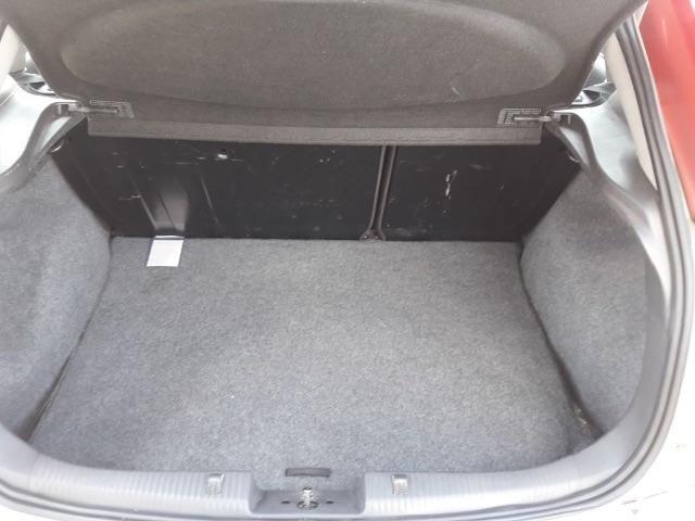 Ford Focus Hatch Ghia 2.0 16V (Aut) - Foto #4