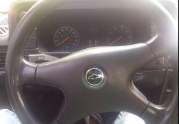 Chevrolet Kadett Hatch SLE 1.8