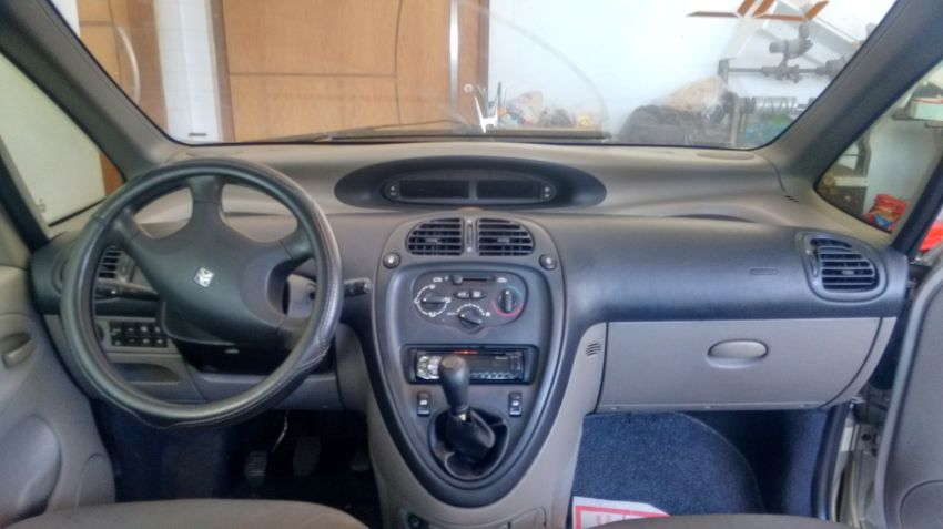 Citroën Xsara Picasso Exclusive Etoile 2.0 16V - Foto #3