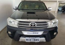 Toyota Hilux SW4 SRV 4x4 3.0 Turbo (aut)