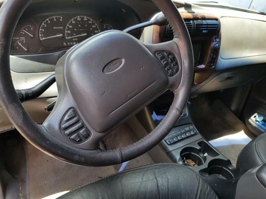 Ford Explorer Limited 4x4 5.0 V8 - Foto #2