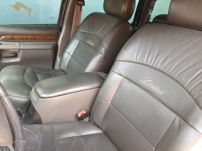 Ford Explorer Limited 4x4 5.0 V8 - Foto #4