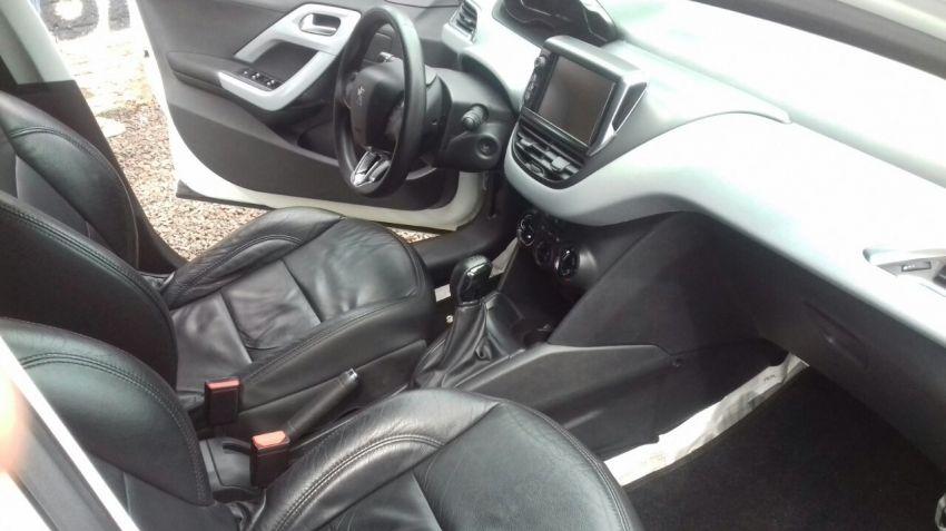 Peugeot 208 1.5 8V Active Pack (Flex) - Foto #4