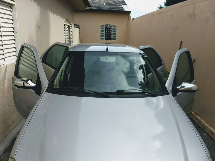 Fiat Siena ELX 1.4 8V (Flex) - Foto #4