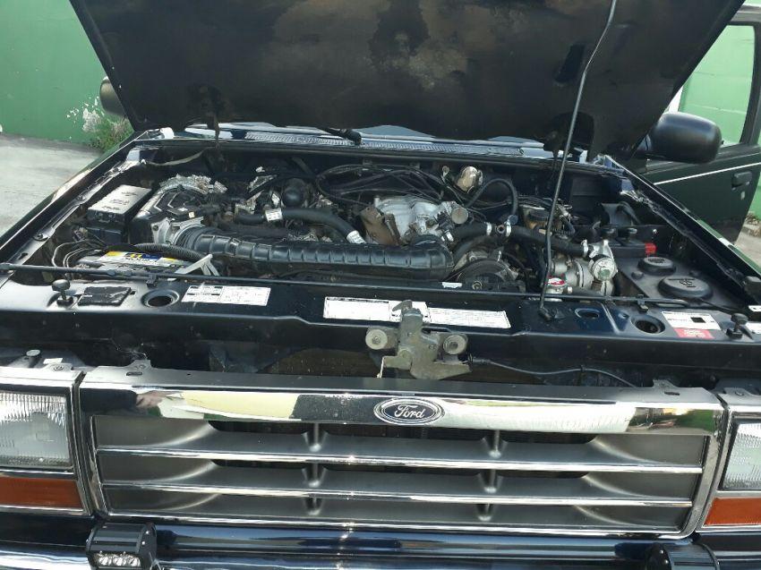 Ford Explorer XLT 4x4 4.0 V6 - Foto #8