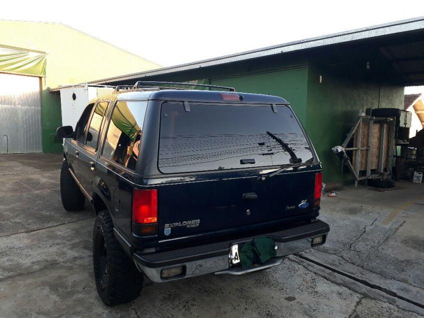 Ford Explorer XLT 4x4 4.0 V6 - Foto #9
