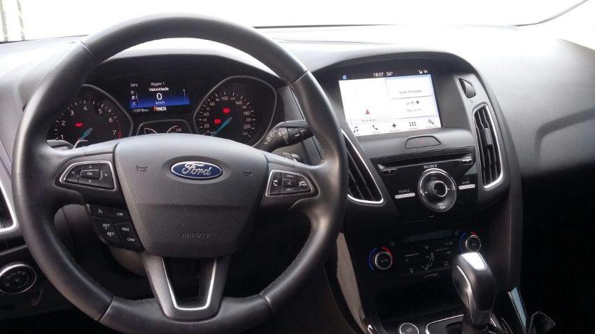 Ford Focus Hatch Titanium 2.0 16V (Aut) - Foto #1