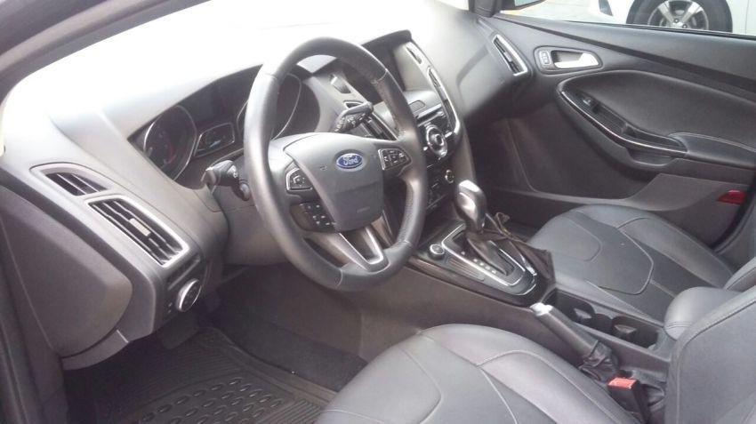 Ford Focus Hatch Titanium 2.0 16V (Aut) - Foto #2