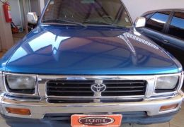 Toyota Hilux SR5 4x4 2.8 (cab. dupla)