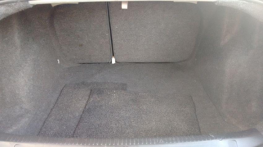 Volkswagen Polo Sedan Comfortline 1.6 8V I-Motion (Flex) (Aut) - Foto #8