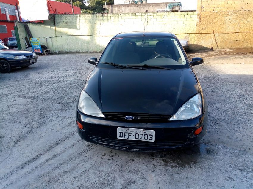 Ford Focus Hatch 1.8 16V - Foto #10