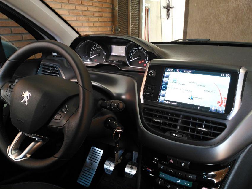 Peugeot 208 1.6 16V Griffe (Flex) - Foto #5