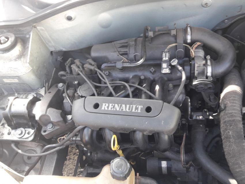 Renault Clio Hatch. RN 1.0 8V - Foto #1