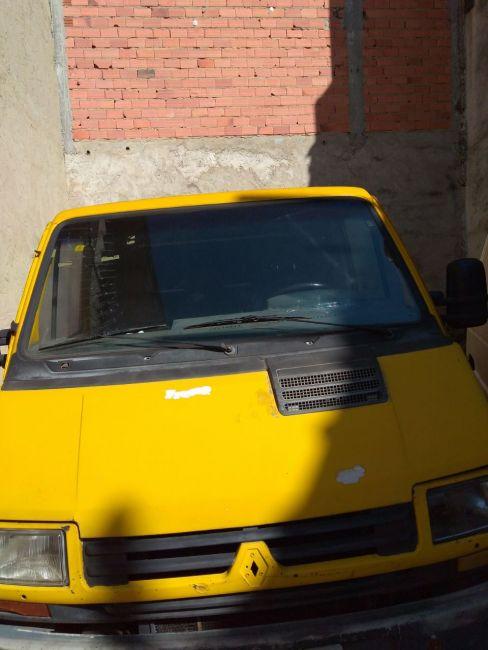 Renault Trafic Furgao 2.2 (ch. curto) - Foto #1