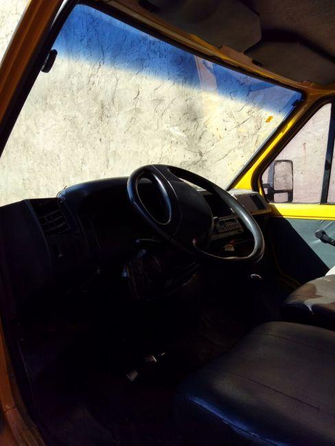 Renault Trafic Furgao 2.2 (ch. curto) - Foto #5