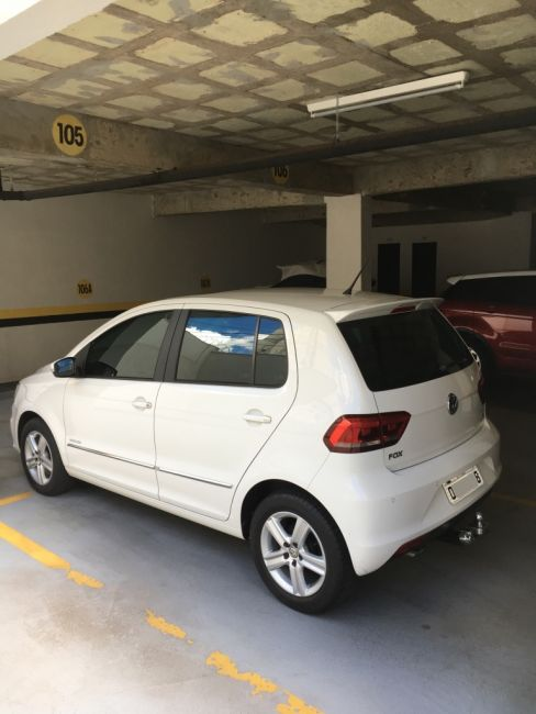 Volkswagen Fox Highline 1.6 16v MSI (Flex) - Foto #2