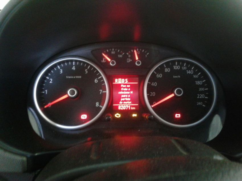 Volkswagen Voyage 1.6 VHT Comfortline I-Motion (Flex) - Foto #6