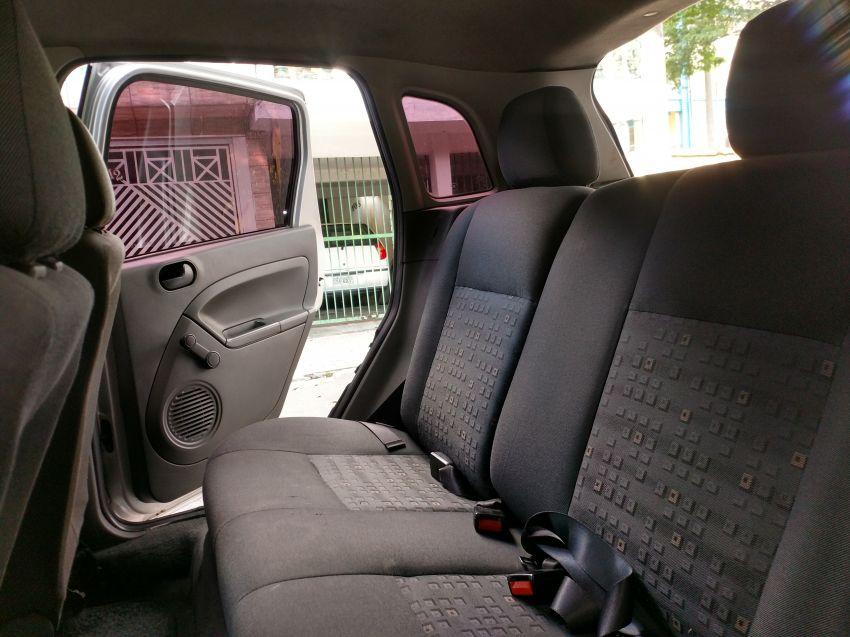 Ford Fiesta Hatch Personnalité 1.0 8V - Foto #8