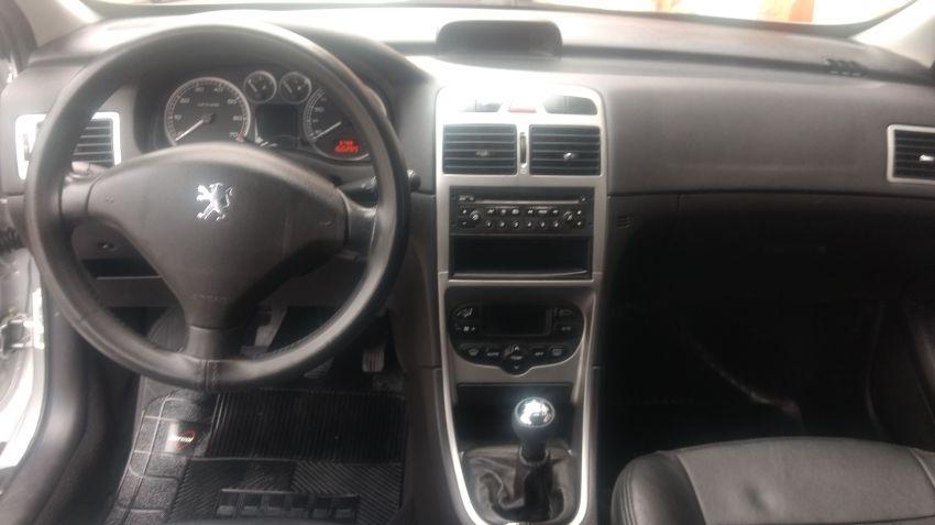 Peugeot 307 SW 2.0 16V - Foto #6