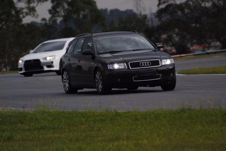 Audi A4 Avant 1.8 20V Turbo (multitronic) - Foto #10