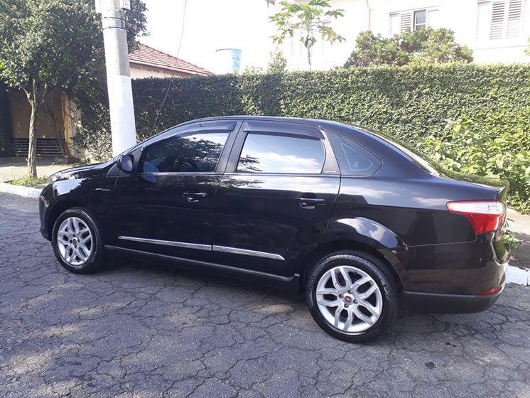 Fiat Grand Siena 1.6 Essence Dualogic (Flex) - Foto #3