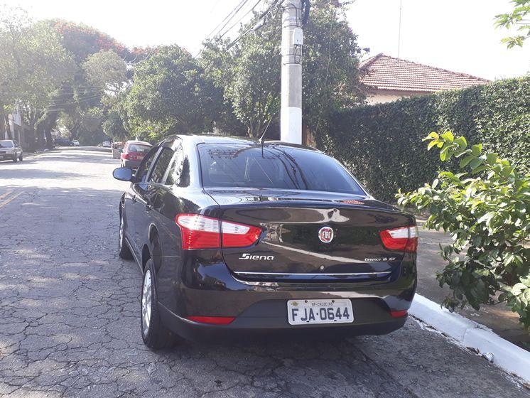 Fiat Grand Siena 1.6 Essence Dualogic (Flex) - Foto #4
