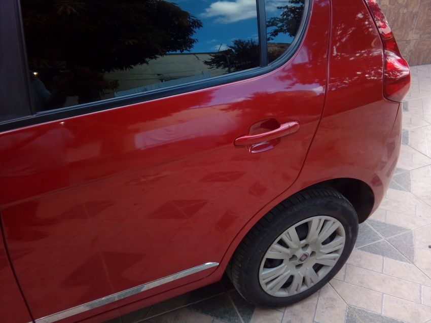 Fiat Palio Essence 1.6 16V E.torQ - Foto #2