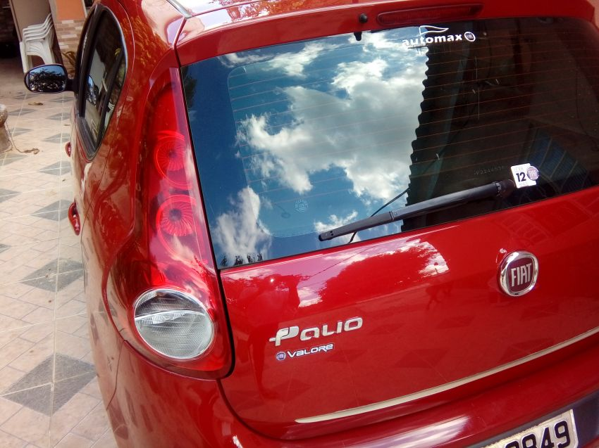 Fiat Palio Essence 1.6 16V E.torQ - Foto #4
