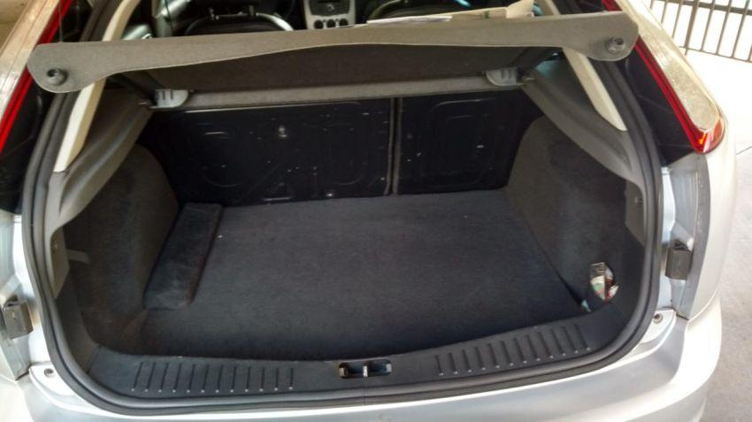 Ford Focus Hatch GLX 1.6 8V (Flex) - Foto #5