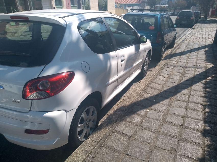Peugeot 207 Hatch XR 1.4 8V (flex) 2p - Foto #7