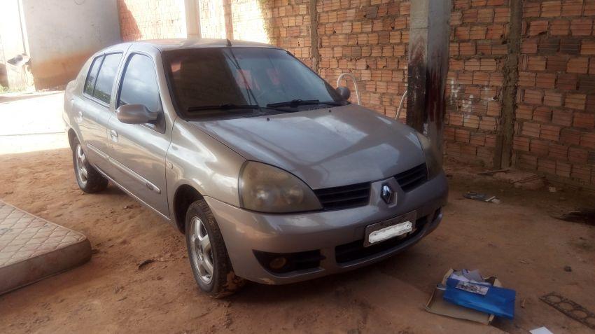Renault Clio Sedan Expression Hi-Power 1.0 16V - Foto #1