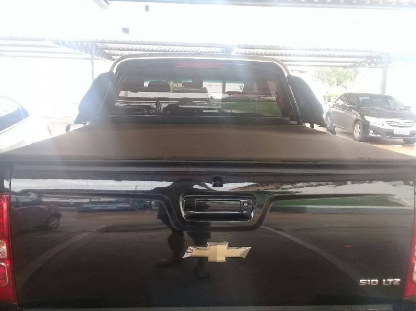 Chevrolet S10 2.5 Ecotec SIDI Cabine Dupla LTZ - Foto #7
