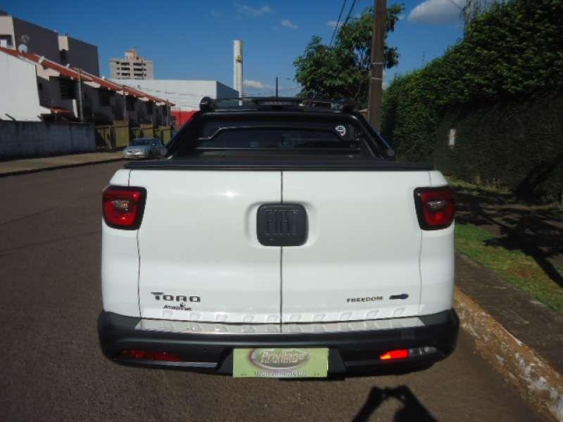Fiat Toro Freedom Open Edition Plus 1.8 AT6 4x2 (Flex) - Foto #4