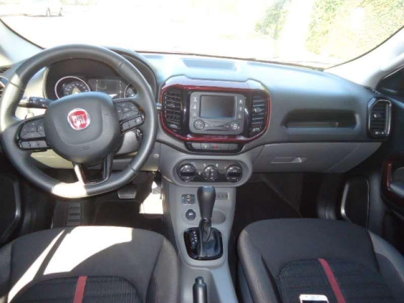 Fiat Toro Freedom Open Edition Plus 1.8 AT6 4x2 (Flex) - Foto #8