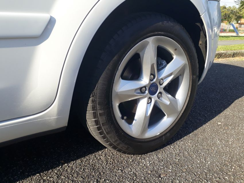 Ford Focus Hatch SE Plus 2.0 16V PowerShift (Aut) - Foto #4